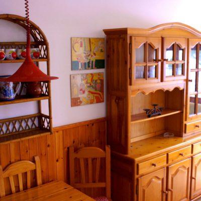 Essecke und Wohnzimmerregal Ferienhaus Casa Äsche