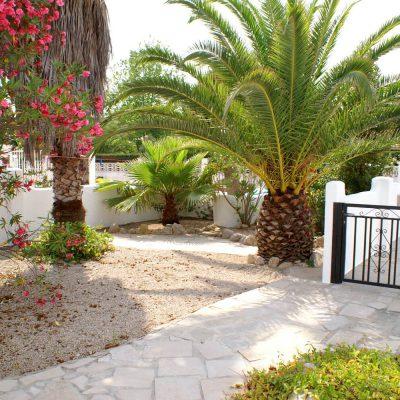 Garten Ferienhaus Casa Äsche mit Blick auf Eingang