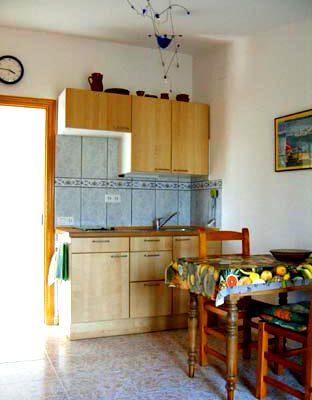 Küche-Esszimmer Obergeschoss Ferienhaus Casa Viva mit Blick auf Einbauküche
