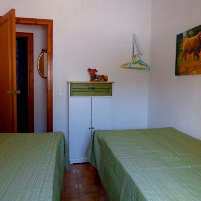 Kinderschlafzimmer Ferienhaus La Ventura, Sicht in Richtung Zimmereingang