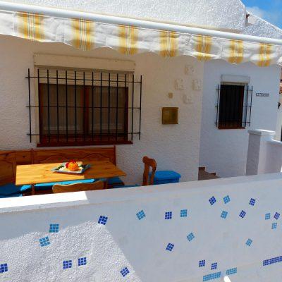 Ansicht auf Terrasse von Ferienhaus Ventura, Sicht von Parkplatz aus